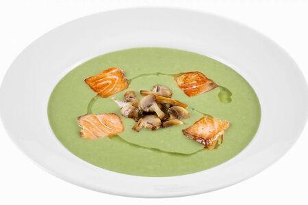 Крем-суп из брокколи с семгой и шампиньонами