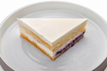 Торт Сметанник с черникой