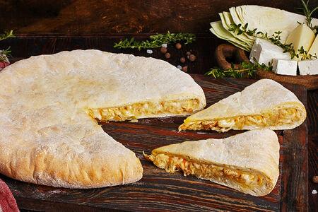 Пирог осетинский с капустой и сыром