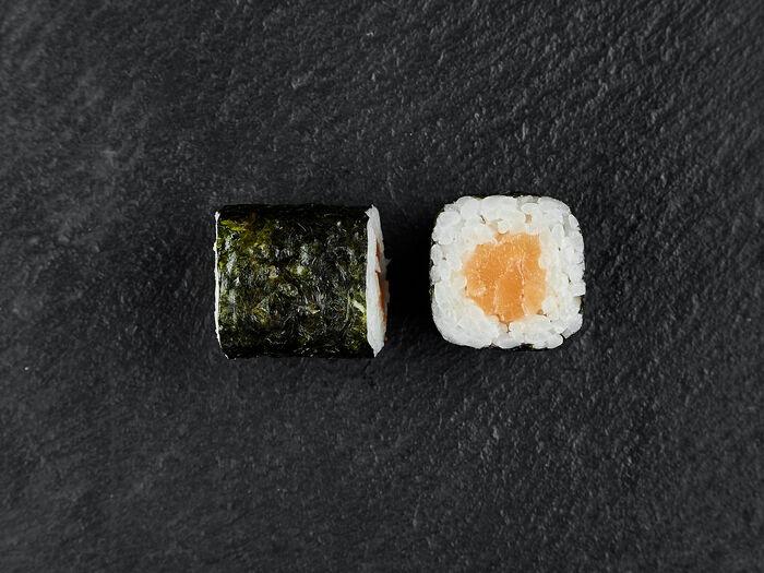 Ролл Хасамаки с лососем