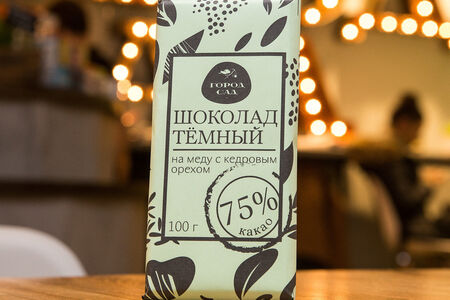Шоколад Город-Сад тёмный на меду с кедровым орехом