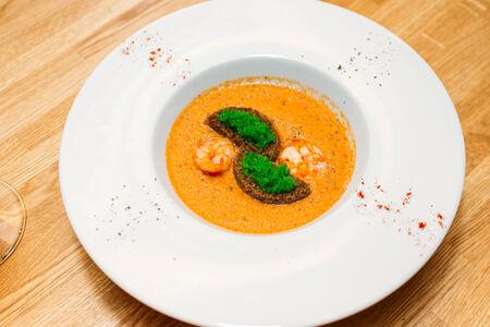 Крем-суп из лосося с креветками