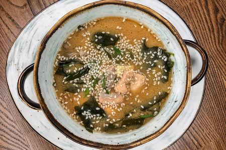 Суп Мисо с лососем и грибами