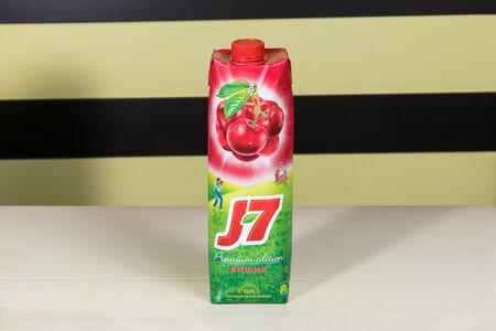 Сок J7 вишня большой