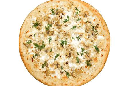 Пицца Жюльен с грибами пышная