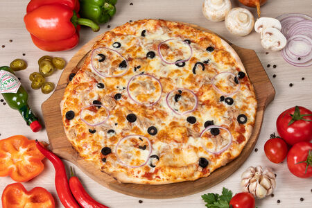 Пицца с тунцом
