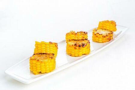 Жареная кукуруза с пармезаном