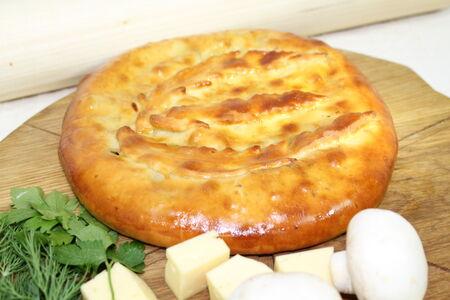 Пирог с грибами сыром и куриной грудкой