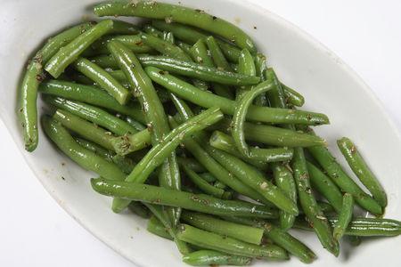 Зеленая фасоль с чесноком и розмарином