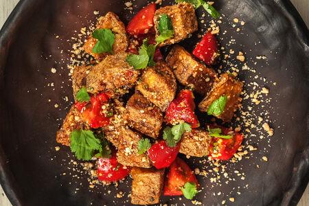 Салат из хрустящих баклажан