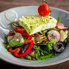 Фото к позиции меню Салат Овощной с сыром фета в маринаде из песто