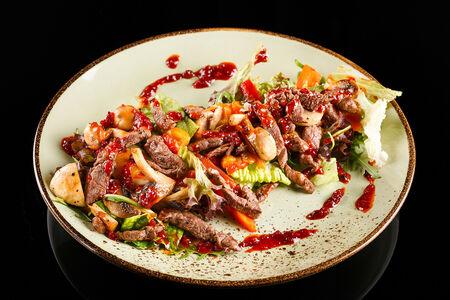 Фирменный салат Мясо