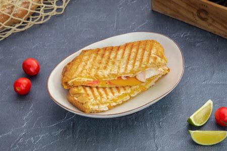 Сэндвич Хрустящий панини с индейкой