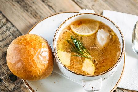 Рыбный суп из трески с овощами