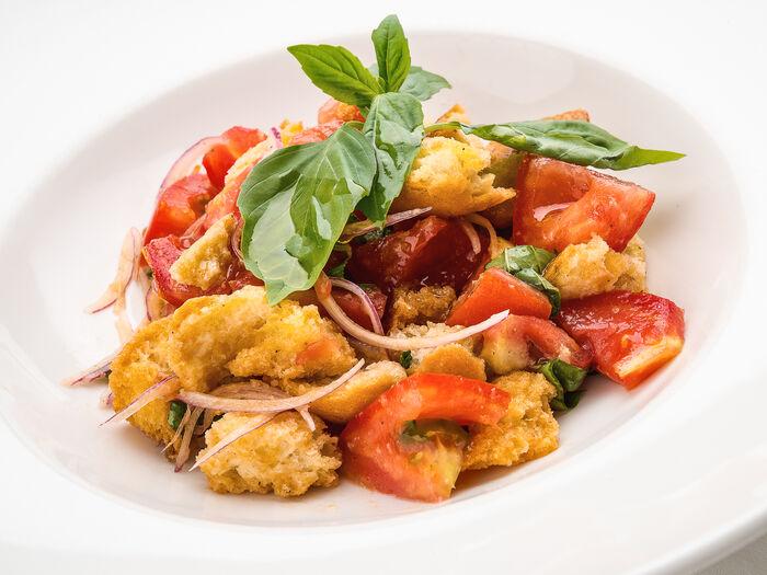 Тосканский салат Панцанелла