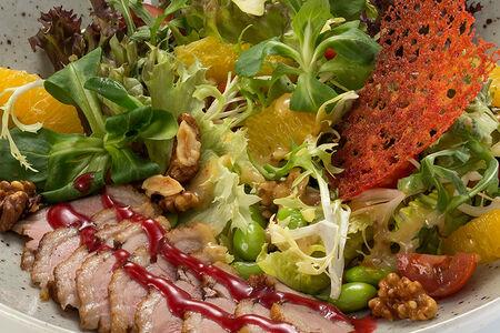 Салат с утиной грудкой