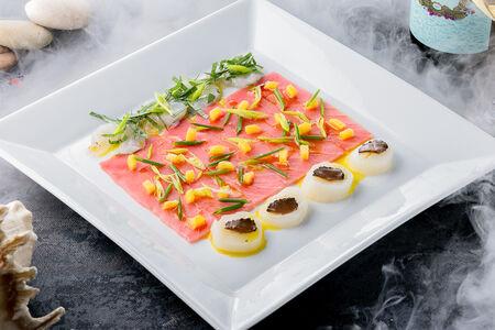 Карпаччо тунец, креветка, гребешок