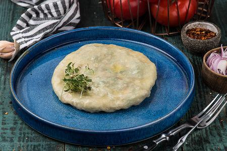 Грузинские квари с зеленью и сыром