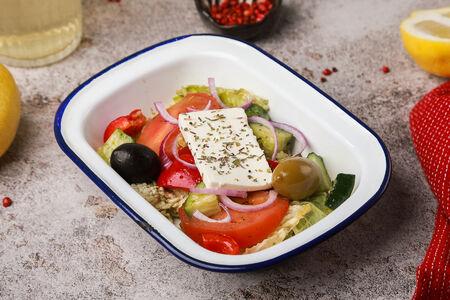 Младший брат Большого греческого салата с сыром фета