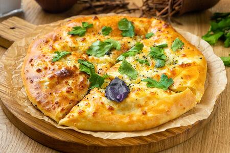 Хачапури Тот, где много сыра