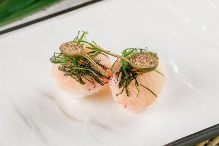 Темари-суши с окунем