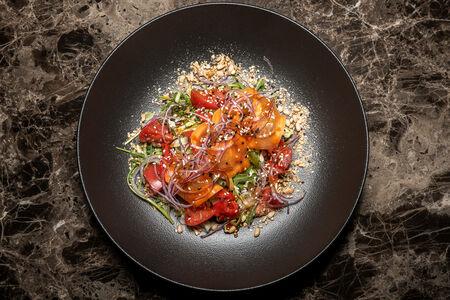 Салат из овощей в азиатском стиле