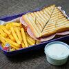 Фото к позиции меню Сэндвич Клаб с ветчиной