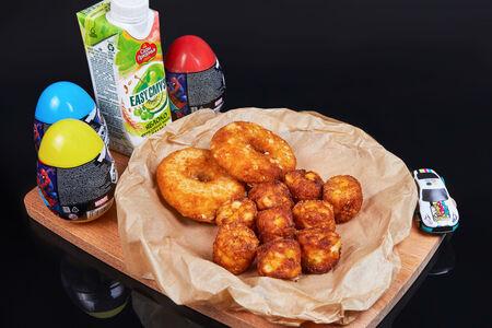 Комбо Хеппи Мил с куриными пончиками для мальчиков