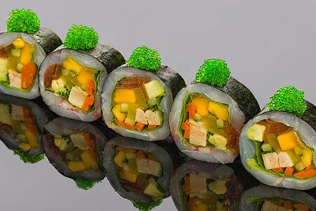 Ролл cашими из лакедры, японского омлета и маринованных овощей