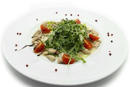 Салат с индейкой в голубом соусе