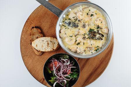 Сковорода с морепродуктами