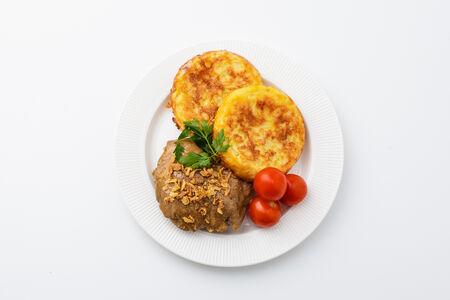Курица в медово-горчичном соусе с картофельными драниками