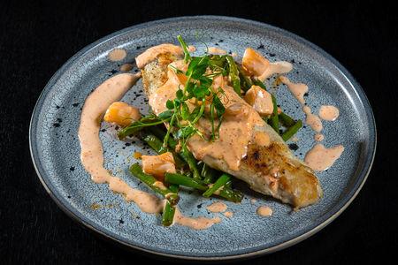 Филе сибаса с морскими гребешками