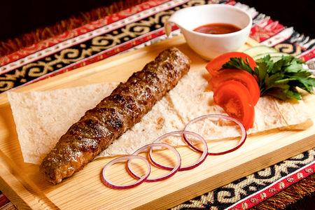 Люля-кебаб с сыром и бастурмой