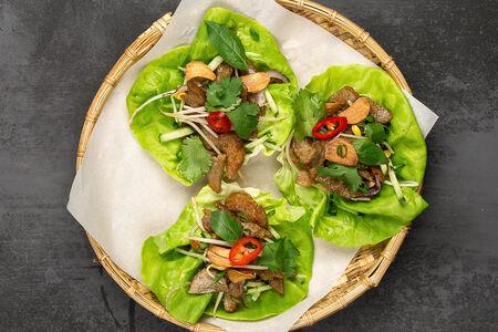 Салат с митболами