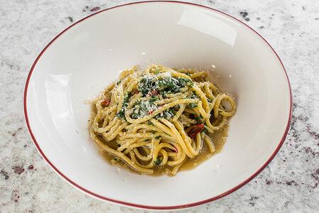 Спагетти алиолио
