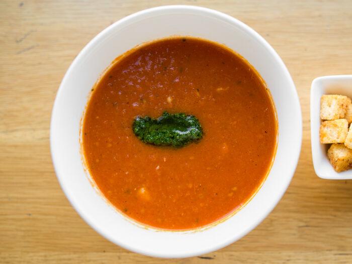 Теплый томатный суп
