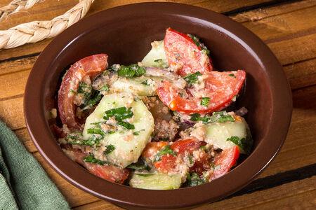 Салат по-грузински с орехами