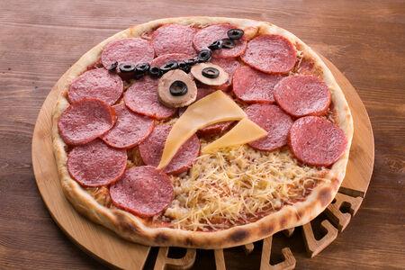 Пицца Angry Birds с салями