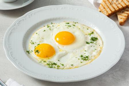 Глазунья из двух яиц