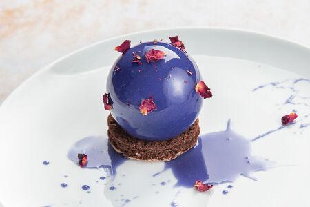 Десерт Можжевеловый мусс с дикой брусникой