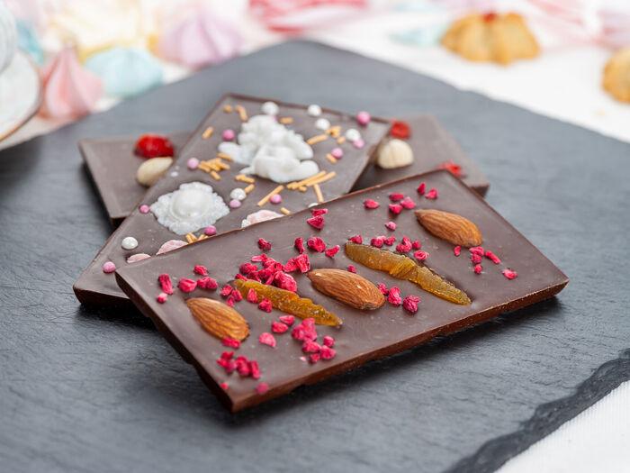 Плитка шоколадная с вафельной крошкой