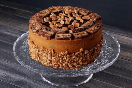 Торт Карамельный с арахисом