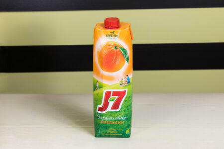 Сок J7 апельсин большой