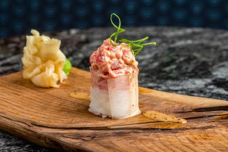 Суши не нигири тунец