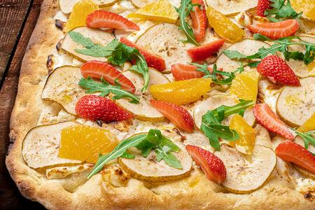 Пицца Римская с фруктами