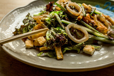 Салат с кальмаром-терияки