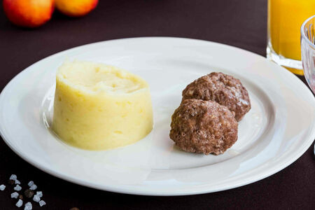 Паровые котлетки с картофельным пюре