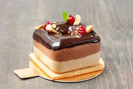 Донатс шоколадно-ореховый