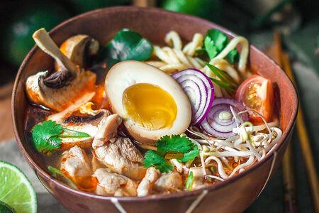 Суп Рамэн Том Ям с курицей